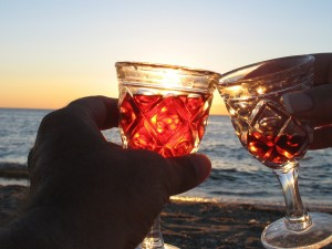 Arl & Steve toast the sunset  '07 vacation 130