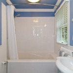 rose room bathroom, tub