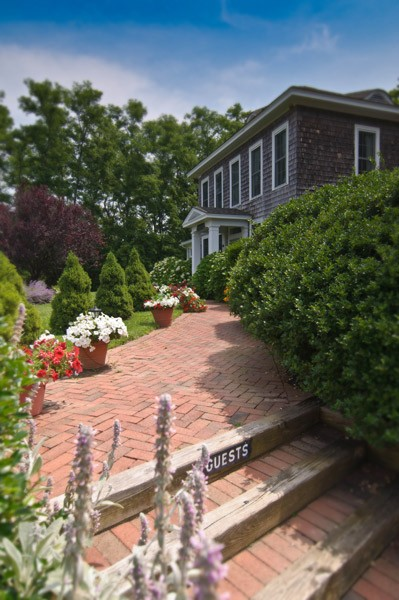 side-gardens