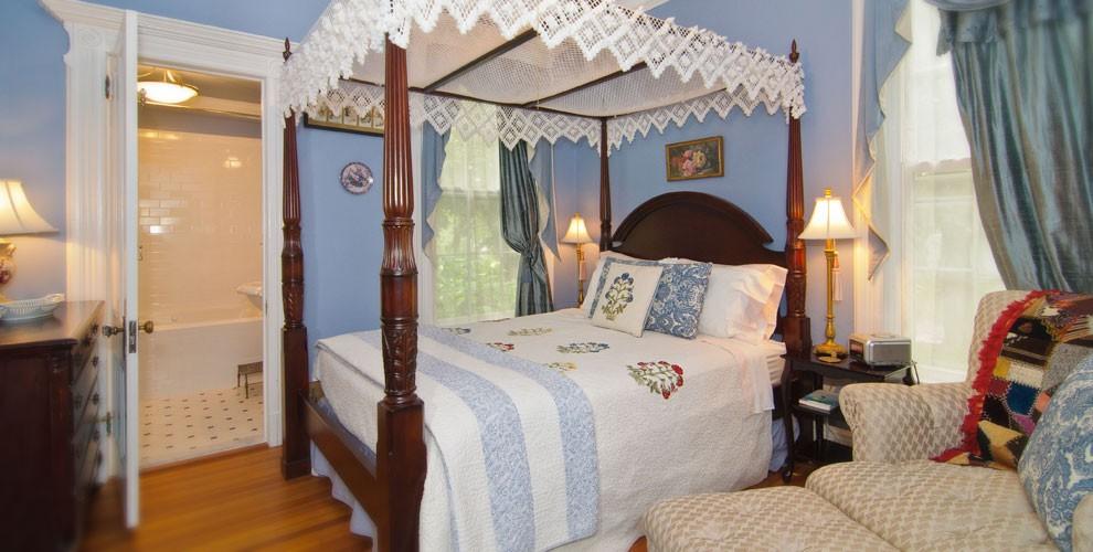 rose room bed